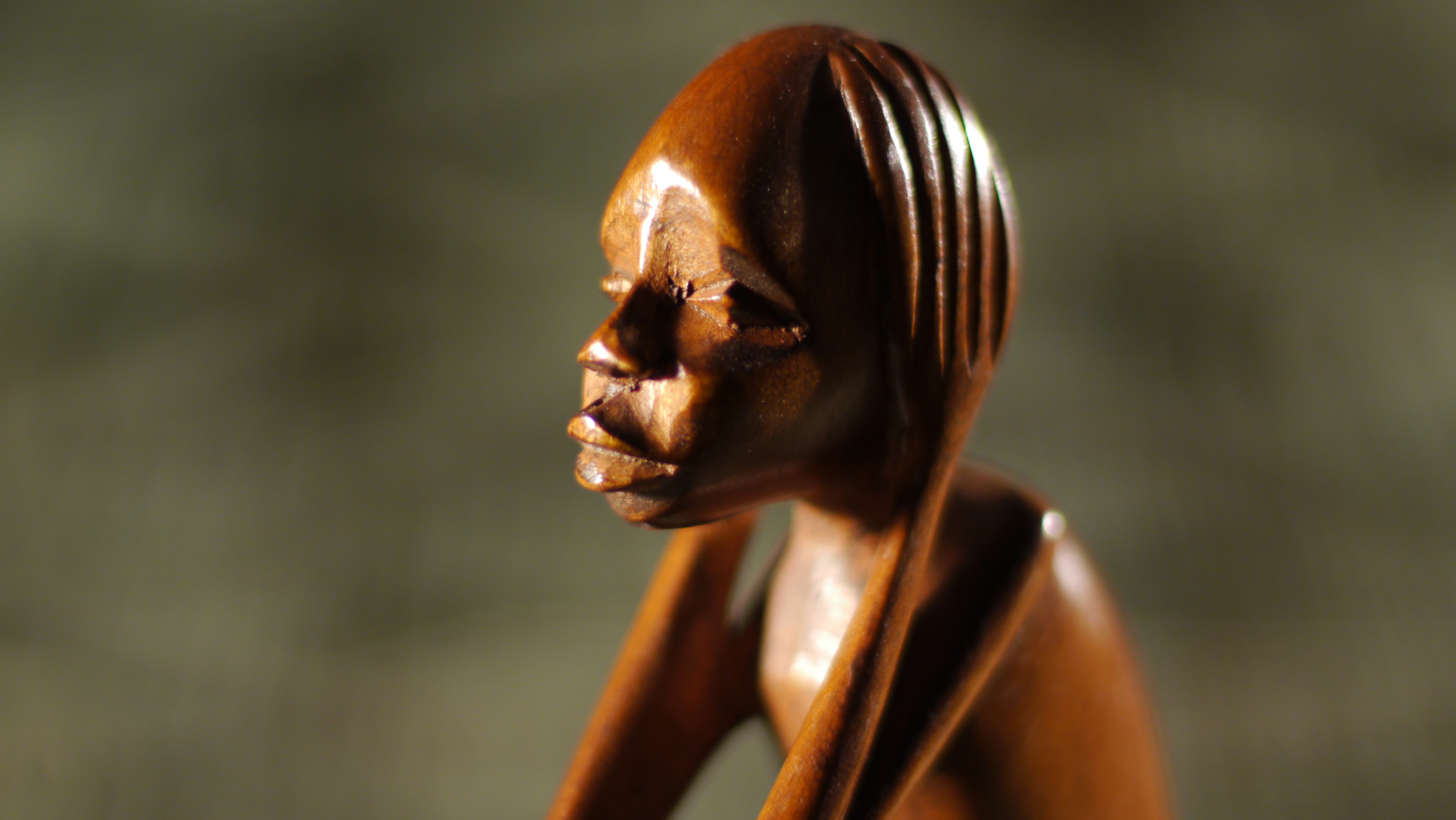 Thinker Statue, brown, small, detail